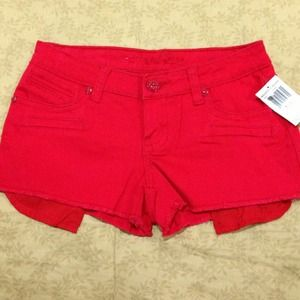 💋NEW💋Gorgeous RED request jeans shorts!