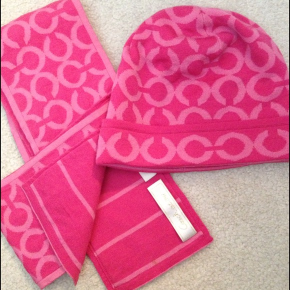 coach authentic coach hat and scarf set from s
