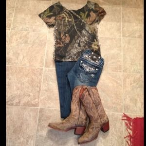 Cute Mossy Oak shirt
