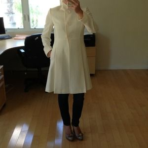 🎉HOST PICK 10/7! Tahari ivory white coat