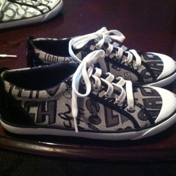 61 coach shoes black and white authentic coach