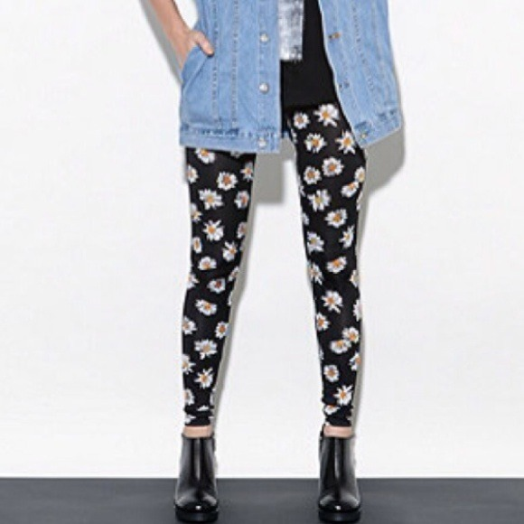 beff6380168c29 Pants | Solddaisy Print Leggings | Poshmark