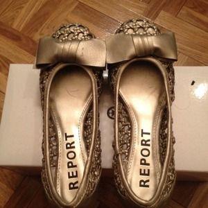 Size 6 report flats sandals new
