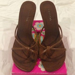 Cute Brown open toe heels size: 6.5
