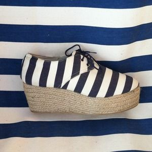 RESERVED••••HOST PICK••••Zara espadrilles