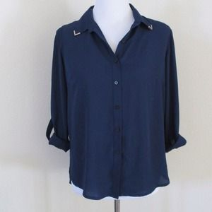 Tops - NEW Open Back Wing Tip Collar Shirt