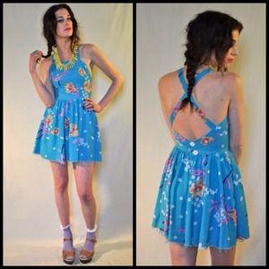 🚫SOLD on website🚫Hawaiian print open back dress