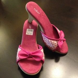 Shoes - SOLD Pink tweed with bow sandal