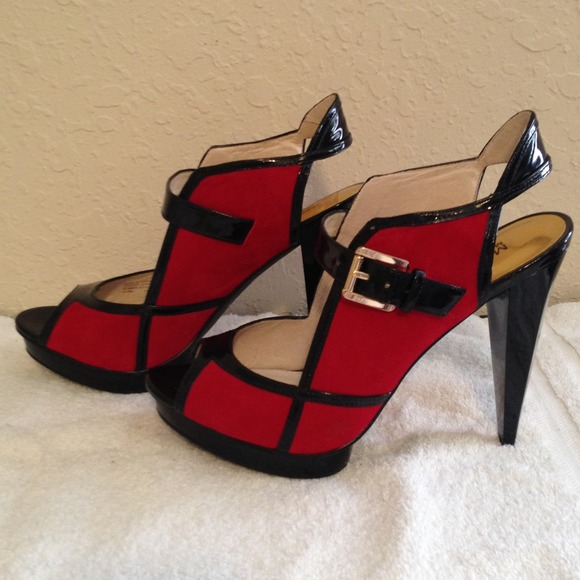 Michael Kors - Sold!💥Host pick X3💥red and black heels from ...