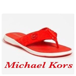 ✋hazelarmoire Michael Kors thong sandalssale