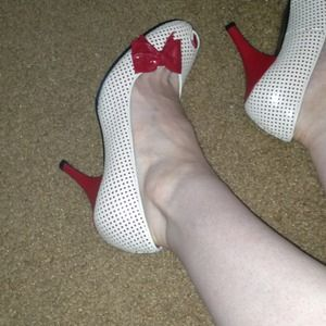 Urban Outfitters Shoes - Jeffrey Campbell heels, size 7