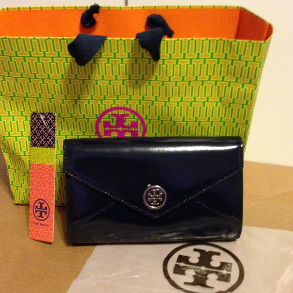 Robinson Envelope Wallet Robinson Envelope Clutch 2