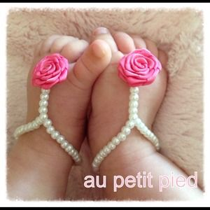 Jewelry - Baby barefoot sandals