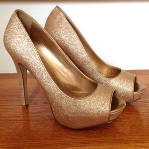 ALDO Shoes - Aldo glittery rose gold Denzenzo heels