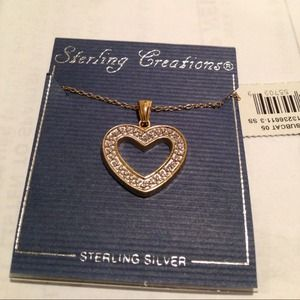 Accessories - Beautiful heart with necklace in gold over silver