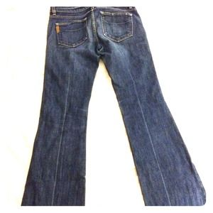 Paige premium denim Laurel Canyon fit size 30.