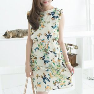Dresses & Skirts - Pretty Butterfly Print Dress