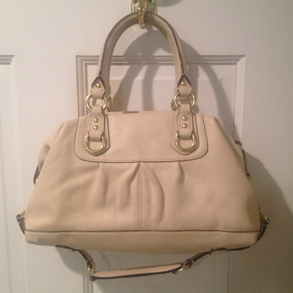 Coach Cream Shoulder Bag 72