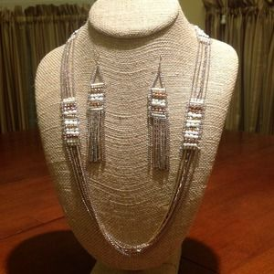 "Stella & Dot ""Dakota"" Necklace and Earring set"