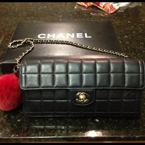 Authentic Chanel Lambskin handbag/clutch