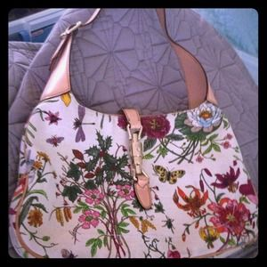 Floral Gucci bag! 100 percent authentic!
