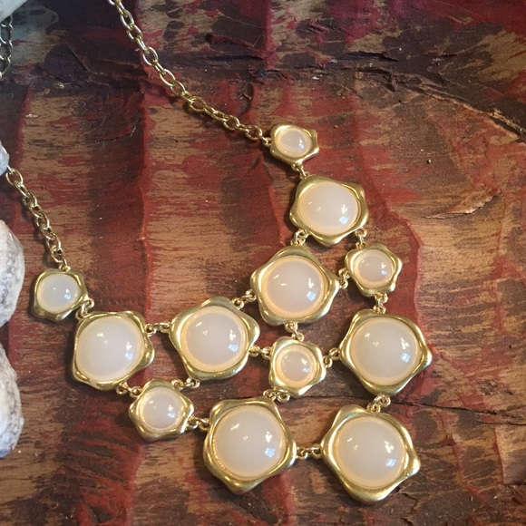 Jewelry - 🌟Reduced🌟Statement necklace