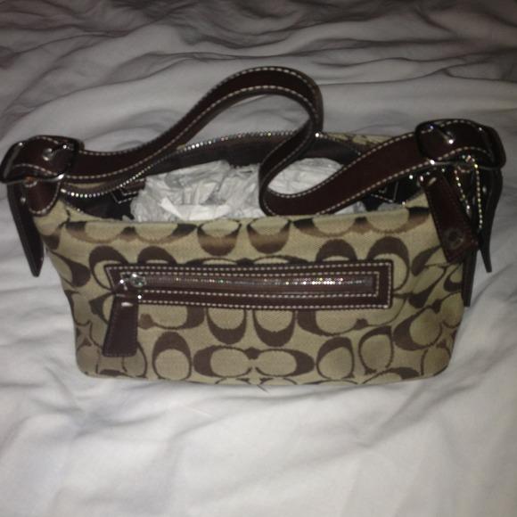 c39bf46cdb0b Coach Handbags - AUTHENTIC Coach Small Purse with Signature Fabric