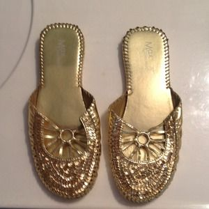 Shoes - Gold sparkly flats