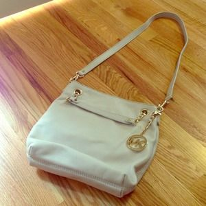 Host PickBNWOT Michael Kors purse