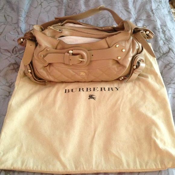 b760e0e7b67e Auth Brand New Burberry shoulder bag w dust cover