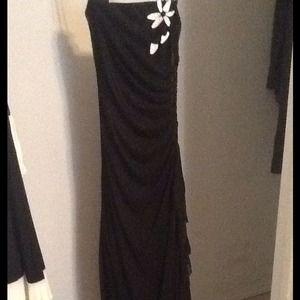 Dresses & Skirts - 🌟Reduced🌟Long black dress