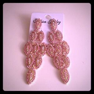 Beautiful fashion dangling earrings.