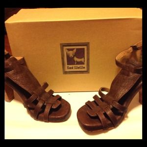 Shoes - Gorgeous brown heels PRICE REDUCED