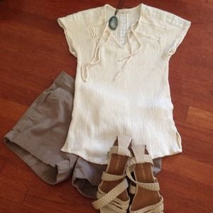 Beautiful cream gauzy top.