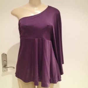 ONE SHOULDER PLUM TOP