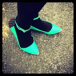 shoedazzle ELZA GREEN - Flats -Host  Pick