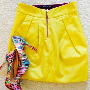Zara Dresses & Skirts - Mustard Yellow High-Waisted Skirt