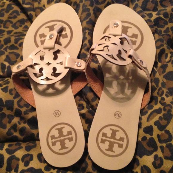 c7d35cb31c962b Tory Burch Miller inspired sandals ❤. M 5224ff8be1267a7f1d0945d9