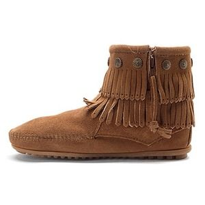 Minnetonka Shoes - MINNETONKA Fringe Boots