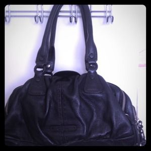 **COLE HAAN**  Handbag