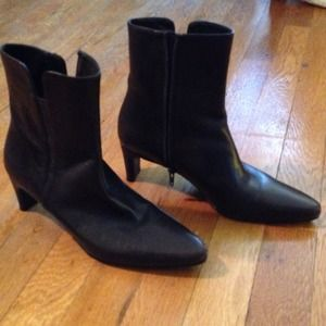 Stuart Weitzman Boots - Flash Sale! Stuart Weitzman Dark Brown Boots