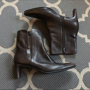 Stuart Weitzman Shoes - FINAL! Stuart Weitzman Dark Brown Boots
