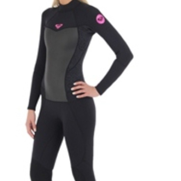 4868efe0f1 ROXY woman s WETSUIT pink and black New. M 52263afe6fff2540790b01fc