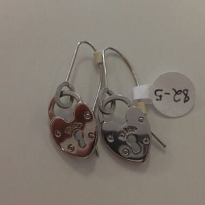 NEW Authentic Christian Dior heart earrings