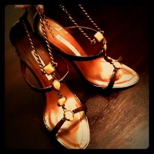 Manolo Blahnik Prefe Patent Brown 38.5