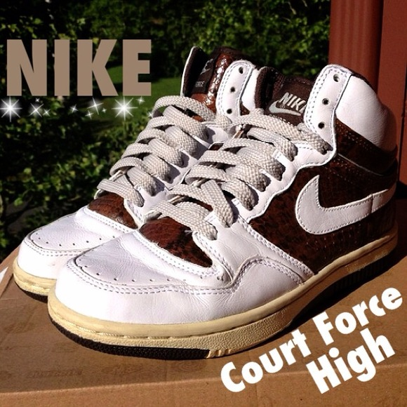 🔸 NIKE Court Force High