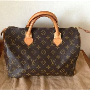 Authentic Louis Vuitton Speedy 30-on hold