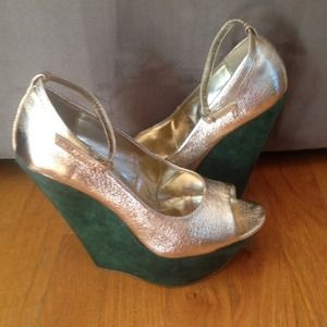 Gold crinkle ankle strap with Green suede wedge