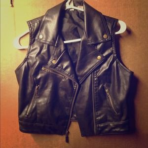 Jackets & Coats - Leather vest 1