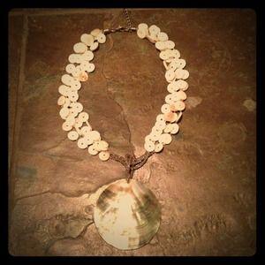 Jewelry - Beautiful Shell Necklace